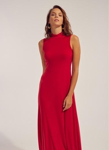 Monamoda Kolsuz Yırtmaç Detaylı Maxi Elbise Kırmızı